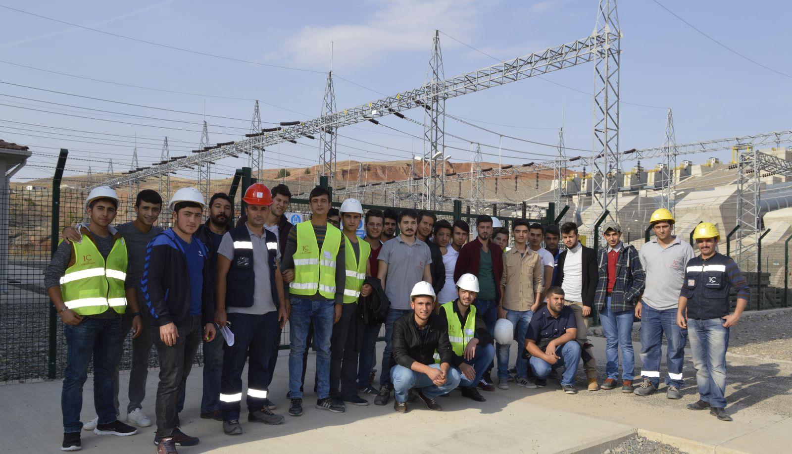 Elektrik İletim, Üretim, Dağıtım Bölümü Öğrencilerine Barajda Uygulamalı Ders Verildi.